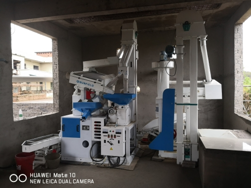 Guangxi 15SD small rice milling machine complete set of equipment installation case